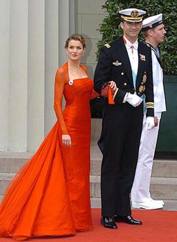 La mujer del vestido rojo pelicula completa