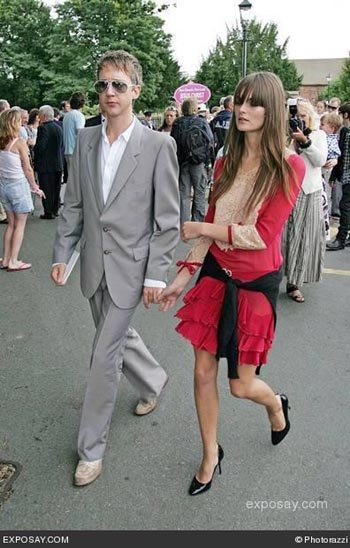 1jefferson-hack-bobby-gillespie-of-primal-scream-married-katy-england-at-st-margarets-church-9jld9l