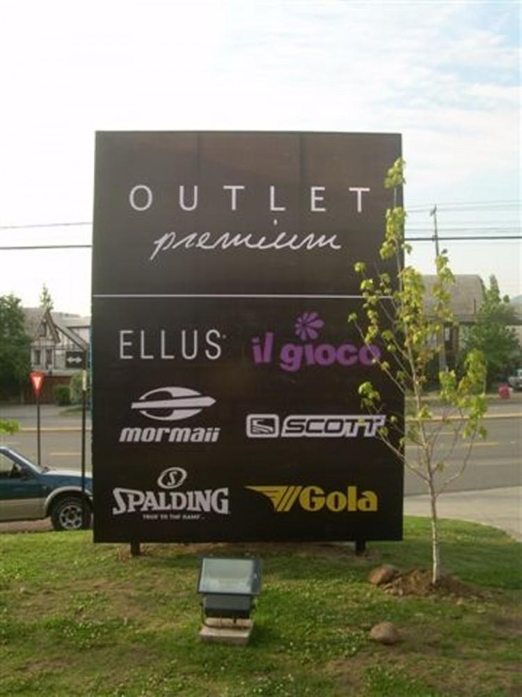 Outlet Premium 4