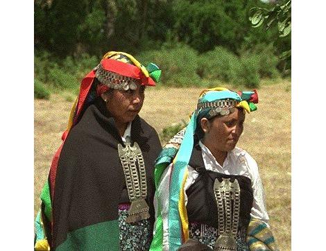 Vestidos de mujeres mapuches