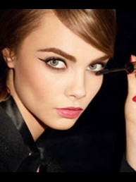 VLC  YSL Baby Doll Mascara con Cara Delevingne