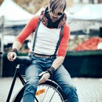Hövding, la bufanda que se transforma en protección para ciclistas