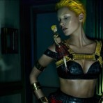 Fashion News: Kate Moss y Alexander McQueen, Zooey Deschanel diseña para Tommy Hilfiger y nuevo video Miu Miu