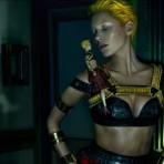 Fashion News: Kate Moss y Alexander McQueen, Zooey Deschanel diseña para Tommy Hilfiger y nuevo video Miu Miu