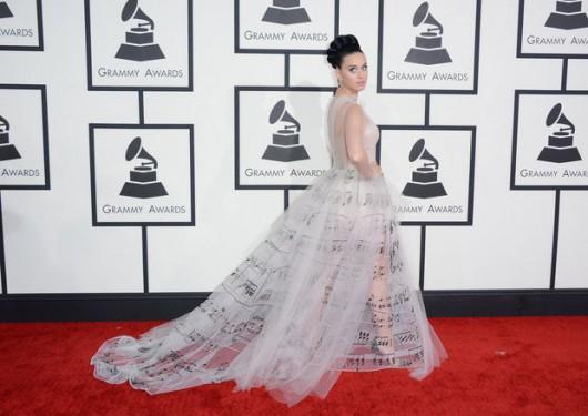 9118d2649f Los vestidos de los Grammys 2014 – Viste la Calle
