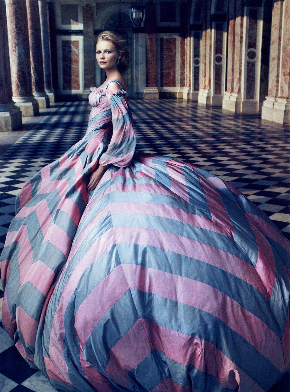 La moda de Versalles: el legado de María Antonieta – Viste la Calle