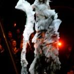 Los mejores desfiles de Alexander McQueen, a cuatro años de su muerte