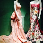 "Oscar de la Renta y su exhibición ""Five decades of style"""