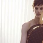 VLC ♥: Karl Lagerfeld celebra el monograma de Louis Vuitton