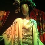 Vistiendo la Ópera: Muestra de vestuario de óperas presentadas en Chile