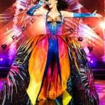 """Los vestuarios del """"Prismatic World Tour"""" con que Katy Perry visitará Chile"""