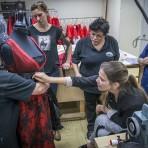 """Entrevista a la diseñadora de vestuario de ópera, Luciana Gutman: """"Me enamoro de cada obra a medida que voy trabajando en el vestuario"""""""