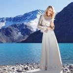 """Entrevista a la Nicole Catalán, la diseñadora tras Ámbar, diseño chileno de alta costura: """"Mi marca intenta traer de vuelta la elegancia del pasado y trasmitir seguridad a la mujer empoderada de hoy"""""""