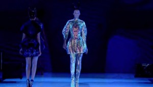 """VLC ♥ Un vistazo a la exhibición """"Alexander McQueen: Savage Beauty"""", 2015"""