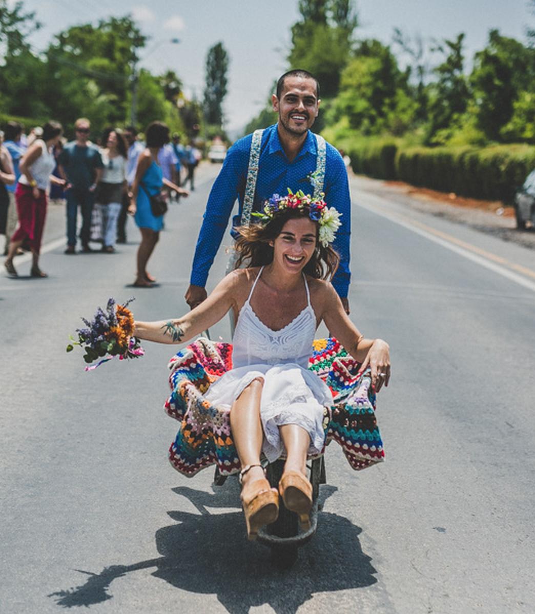 """Entrevista a Mónica Muñoz, fotógrafa especialista en matrimonios: """"Mientras más mostremos lo increíble que es el amor, más rápido vamos a avanzar"""""""