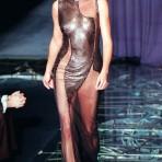 Flashback: La primera colección de Donatella en solitario para Versace, 1998
