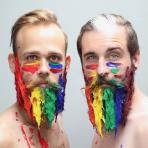 The Gay Beards, el par de amigos artista que se dedica a decorar barbas