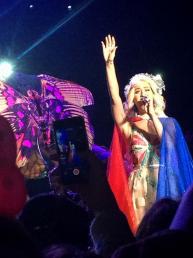 El vestuario de pasarela de Katy Perry en su primer concierto en Chile