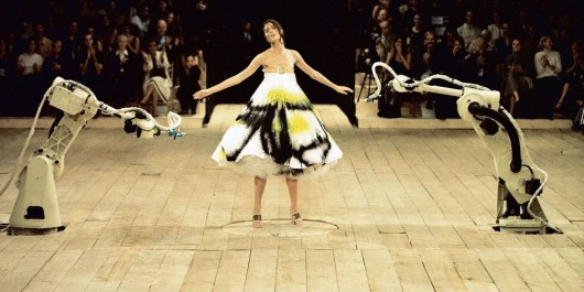 landscape_1423663058-3_spray_painted_dress_no_13_ss_1999_model_-_shalom_harlow_image_-_catwalking