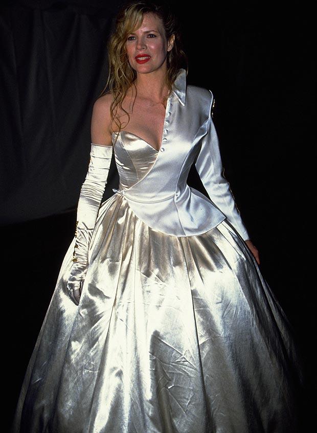 1990 Kim Basinger su diseño