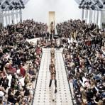 El cambio ya viene: Cómo la nueva estrategia de Burberry podría modificar radicalmente la manera de presentar colecciones de moda