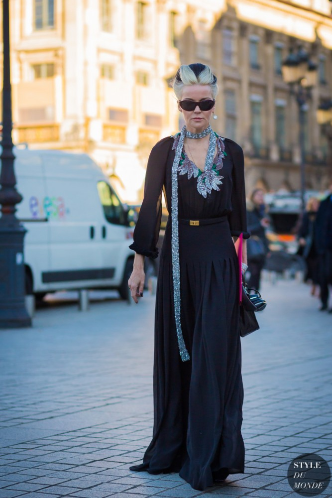 Daphne-Guinness-by-STYLEDUMONDE-Street-Style-Fashion-Photography0E2A7682-700x1050