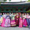 Group-photo-of-hanboks-in-Jeonju