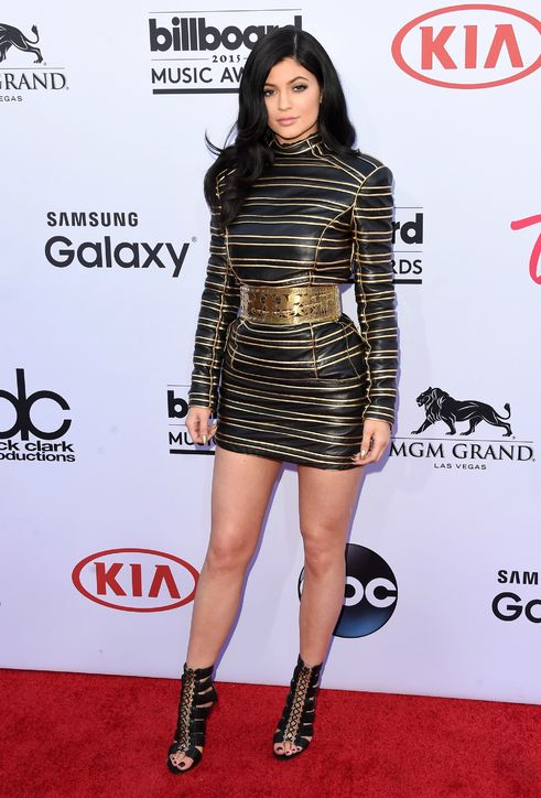 kylie-jenner-balmain-dress-billboard-music-awards-2015-h724