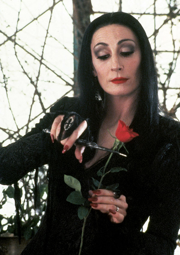 AnjelicaHuston_Addams_Family_1991
