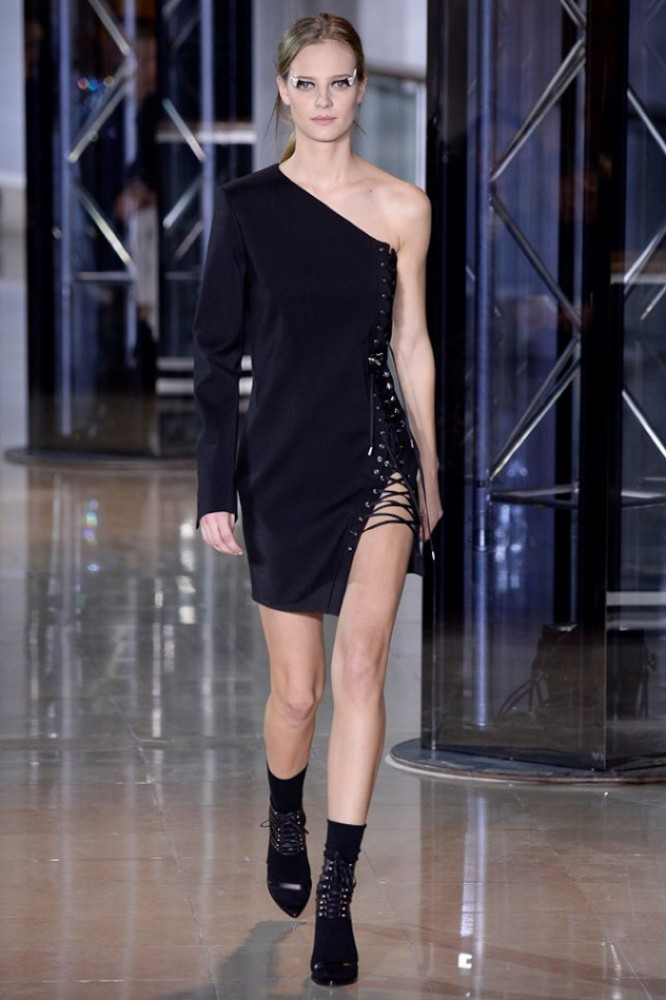 Anthony-Vaccarello-2016-Fall-Winter-Runway11
