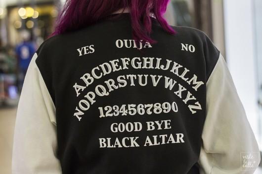 Chaqueta marca Black Altar Apparel (tienda estadounidense)