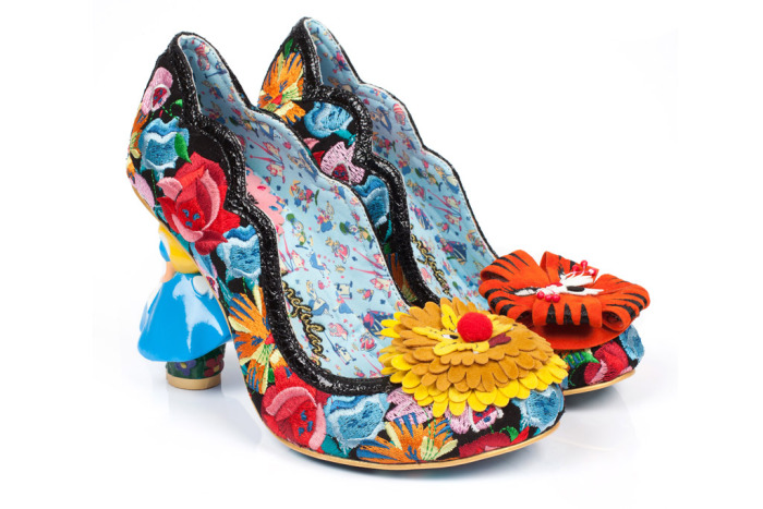 alice-through-the-looking-glass-irregular-choice-05