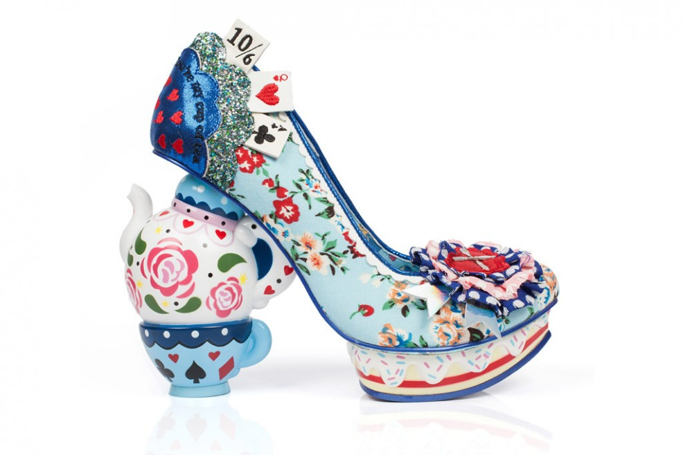 alice-through-the-looking-glass-irregular-choice-11