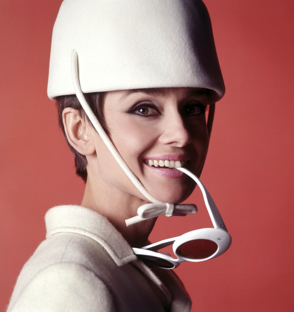 1965 courreges Annex - Hepburn, Audrey (How to Steal a Million)_02