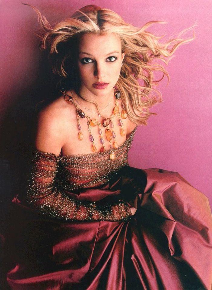 Britney-2000-britney-spears-6827274-700-955