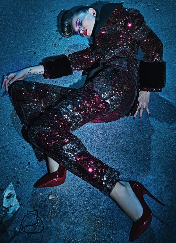 V-Magazine-Fall-2016-Steven-Klein-04-620x855