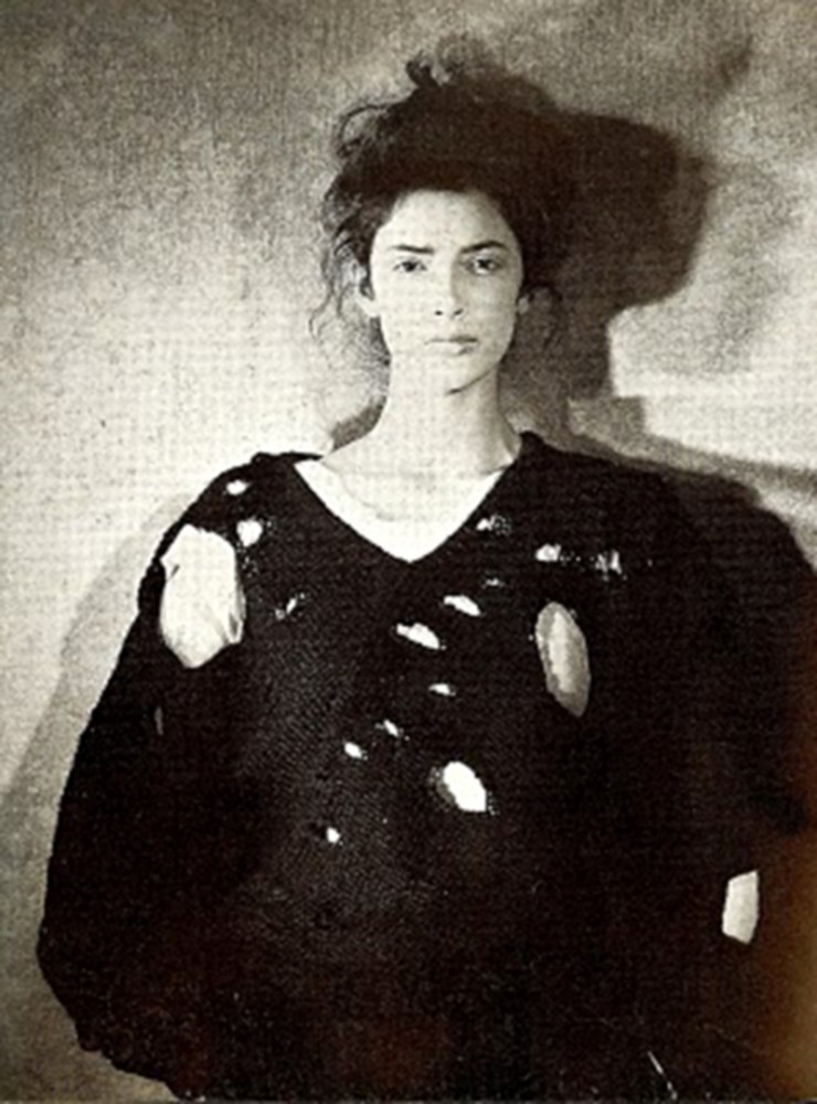 annikapol_blogspot_com_2010_04_lace-love-1-1990-Rei-Kawakubo-Comme-des-Garcons-open-work-sweater-fashion-inspiration-knit