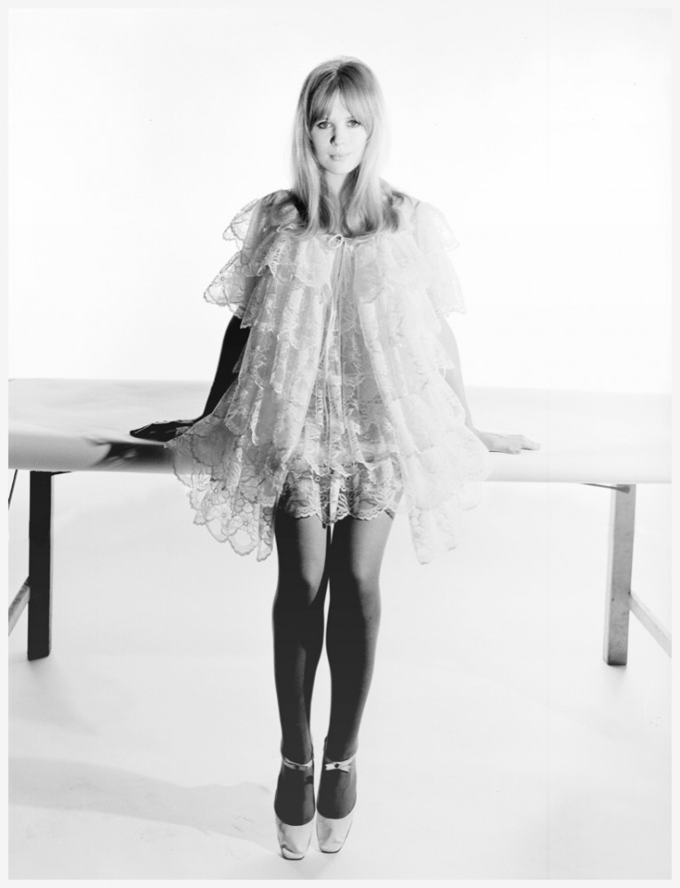 ternce-donovan-marianne-faithfull-1966-ads-selfdriges