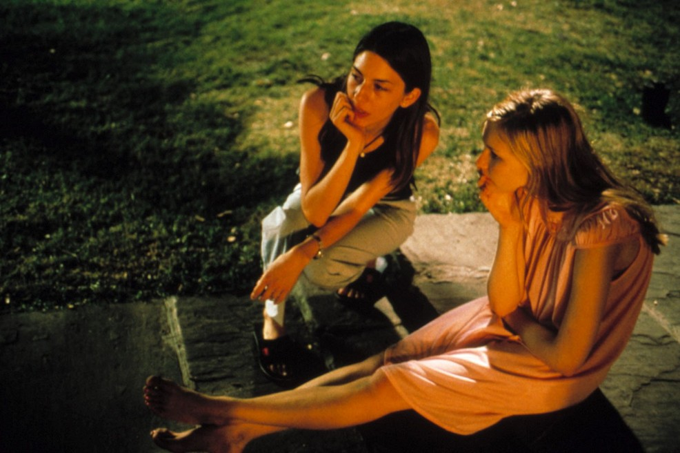 006-the-virgin-suicides-theredlist