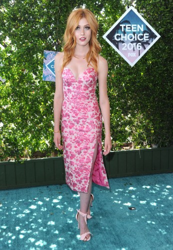 Katherine McNamara arrives at the Teen Choice Awards at the Forum on Sunday, July 31, 2016, in Inglewood, Calif.
