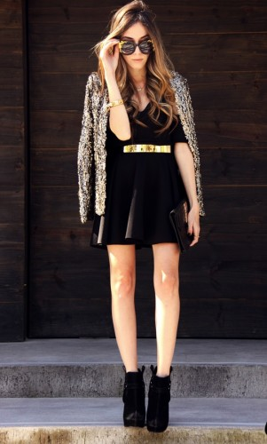 4.-gold-belt-with-black-dress