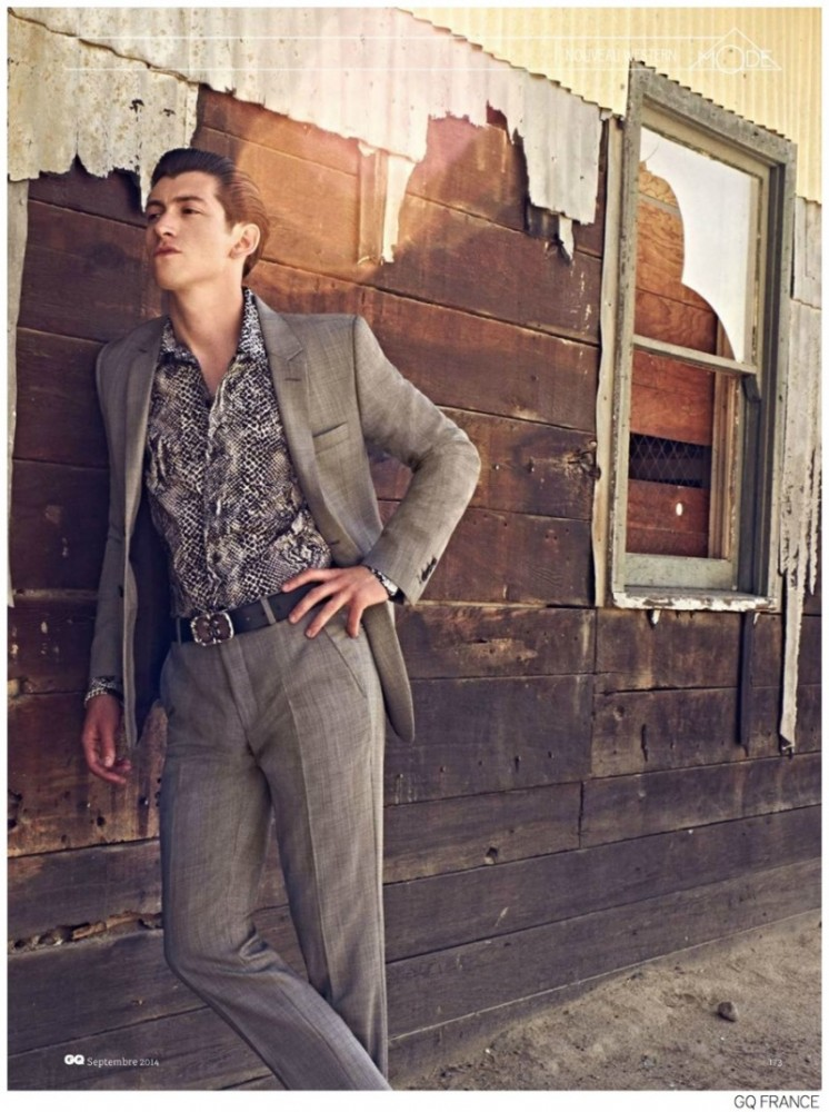 Alex-Turner-Arctic-Monkeys-GQ-France-September-2014-Photos-005-800x1073