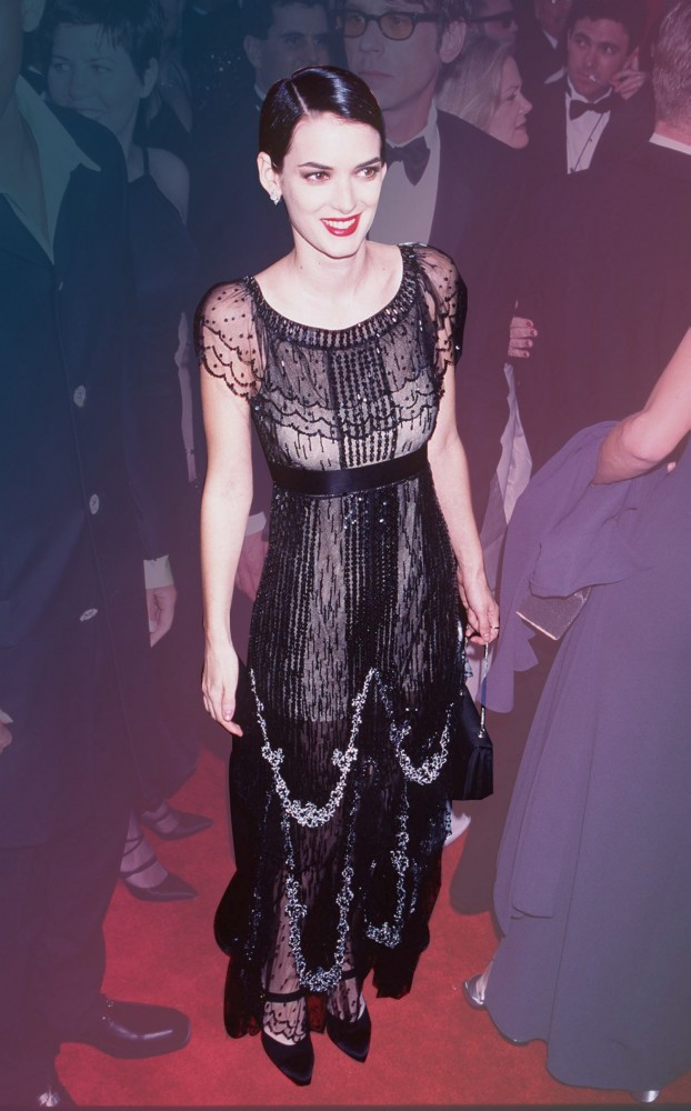 fashion-2016-01-winona-ryder-1997-oscars-beaded-black-gown-river-main