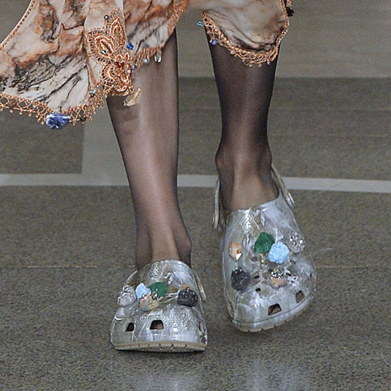 christopher-kane-crocs-scarpe-sfilate-13