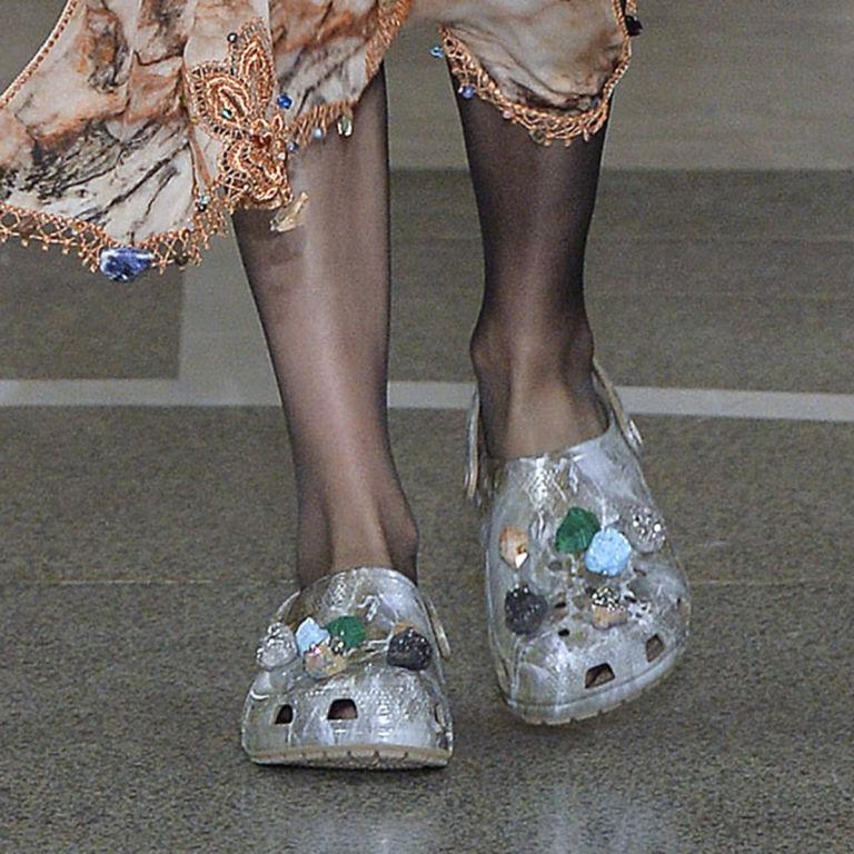 christopher-kane-crocs-scarpe-sfilate-13