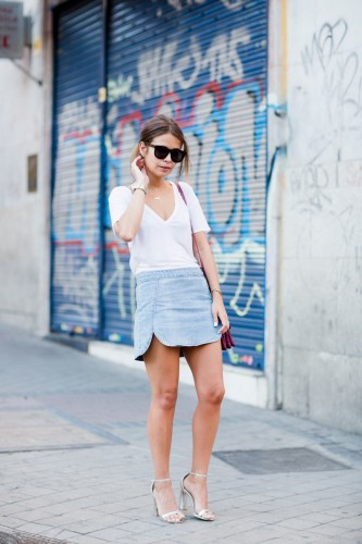 purple_sushi_bag-denim_skirt-silver_sandals-summer_outfit-street_style-24