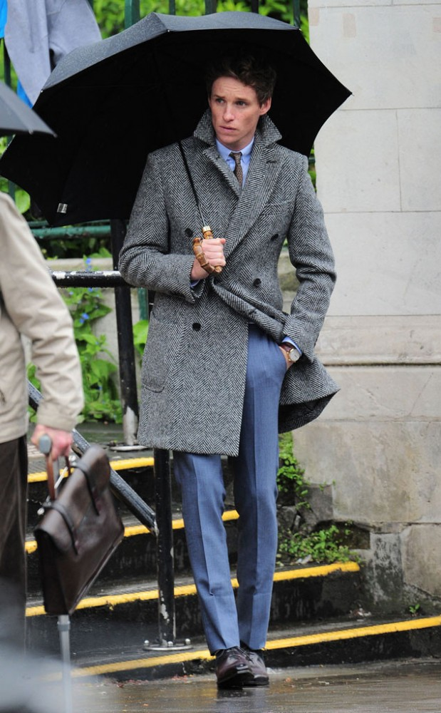 rs_634x1024-150515093313-634-eddie-redmayne-rainy-day-photo-shoot-london-jr-51515