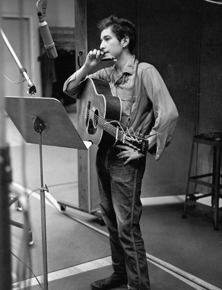bob-dylan-picture-1960s-style-recording-session-800x1041