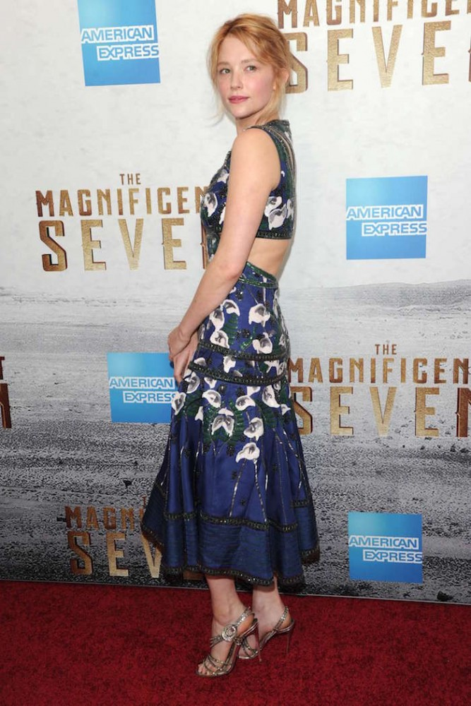 haley-bennett_-the-magnificent-seven-ny-premiere-15
