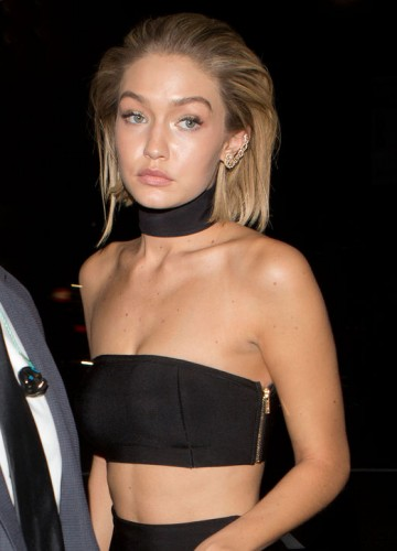 gigi-hadid-black-crop-top-choker-h724-copia